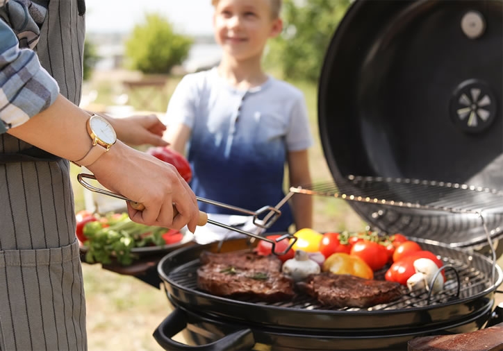 Relaxing in the outdoors! Is there a better way to spend Father's day? Add his favourite meal on the grill, beverages in a basket, grab some blankets and enjoy! Head out to Shoprite Westgate for all your barbeque requirements.
